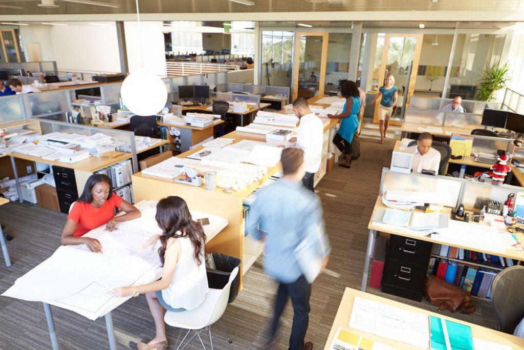دفتر کار باز راهکاری برای تقویت روحیه کاری